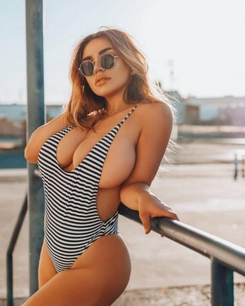 Девушки в стиле sideboob (30 фото)